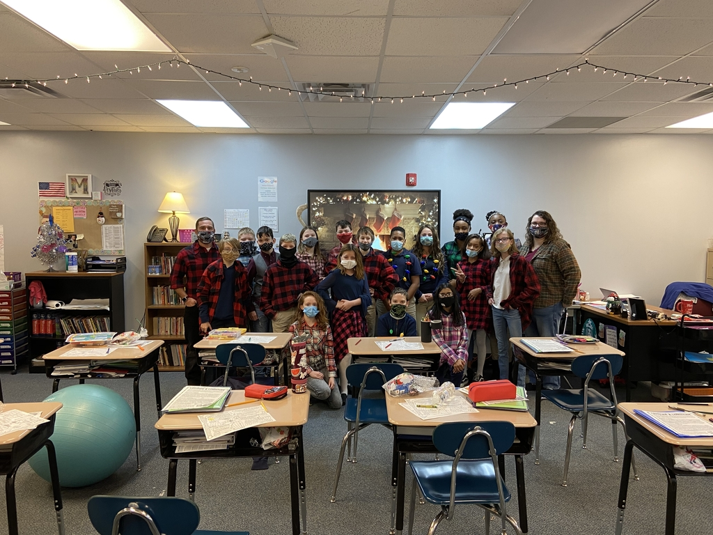 Class with masks and flannels on